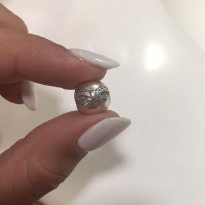 Pandora dainty bow clip